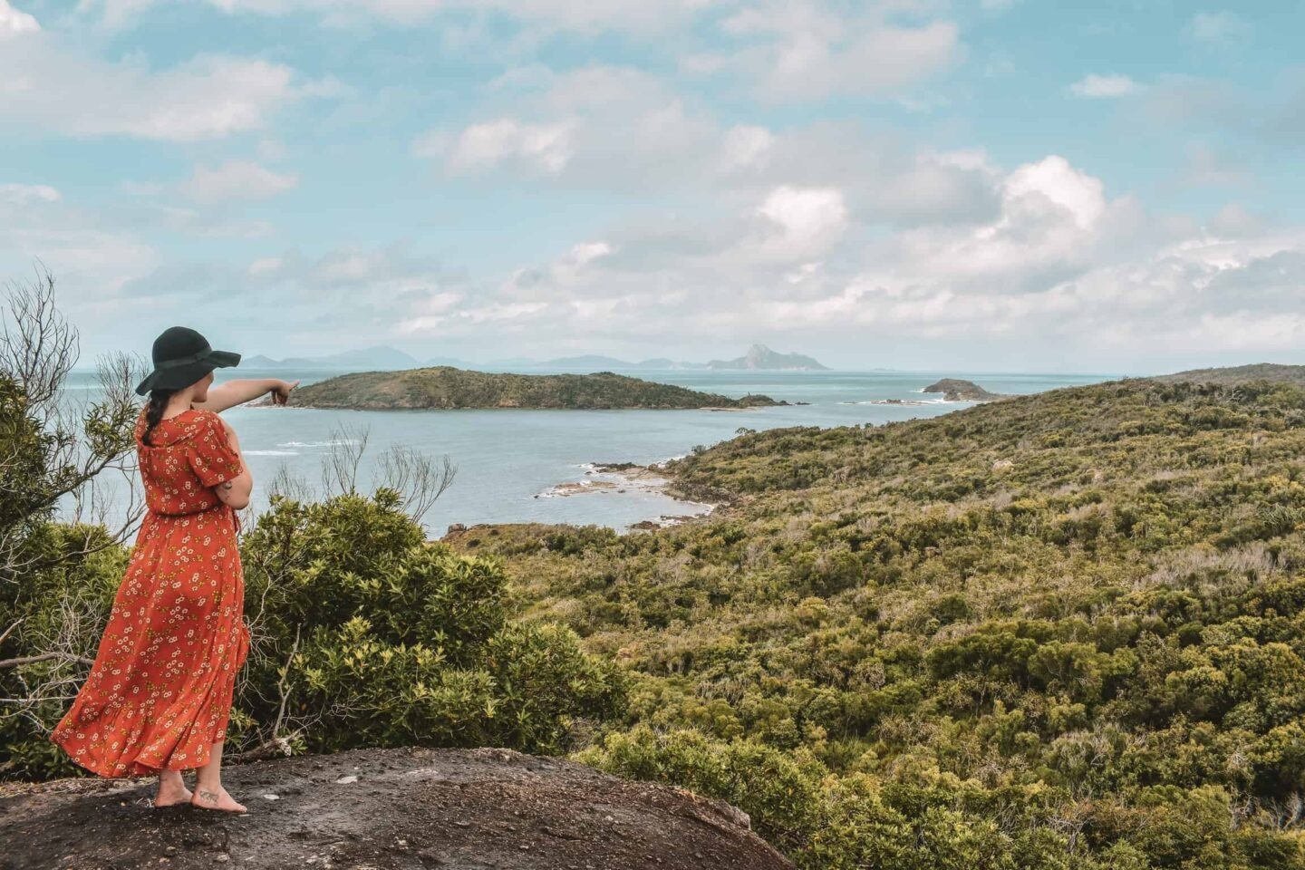 Travelling Australia can be cheap, comfortable, and easy if you know how to do it right! Greyhound buses is the ultimate way to travel Australia and tick off your Australian bucket list. #travelaustralia #budgettravel